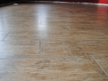 Porcelain-tile-that-looks-like-a-wood-floor-surface